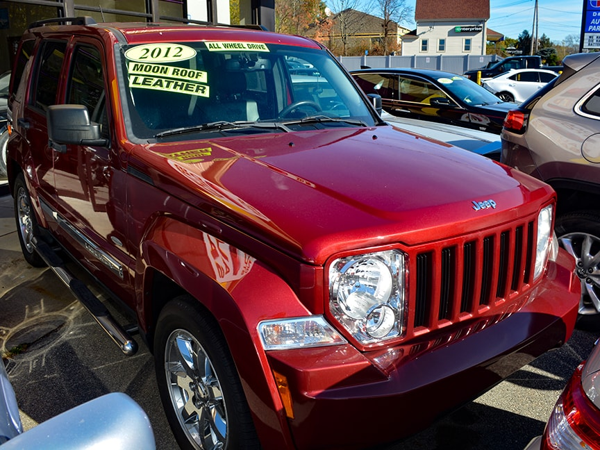 2012 Jeep Liberty - Red - Alt