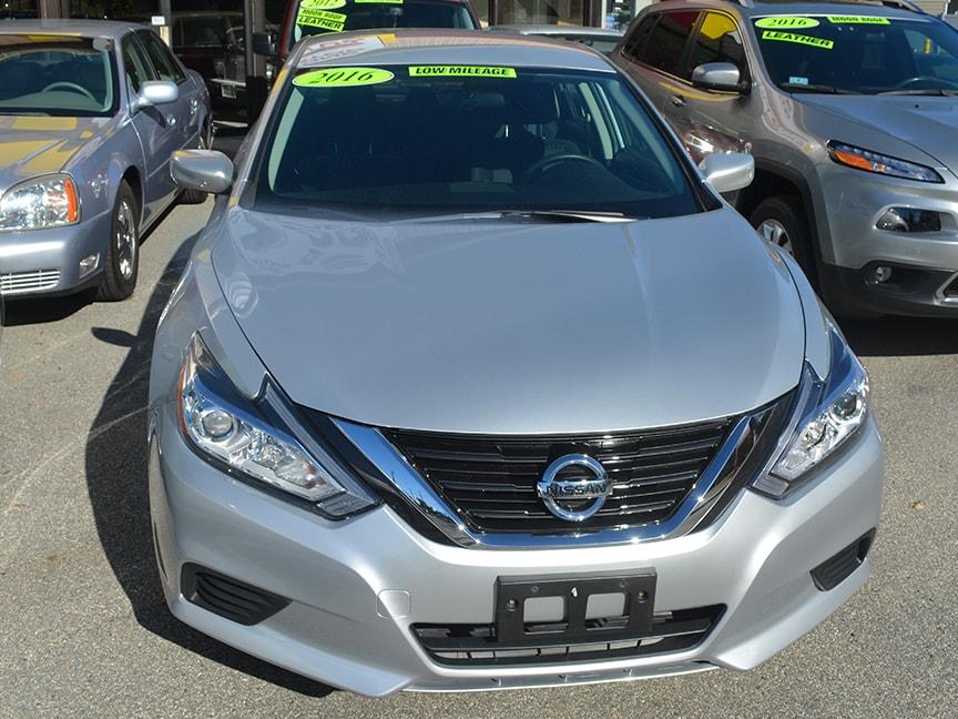 2016 Nissan Altima - Silver - Alt
