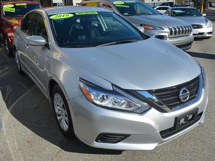 2016 Nissan Altima - Silver